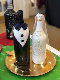 Bride and groom center pieces great for weddings or showers.  Lowell, 01852