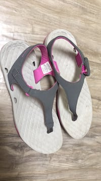 Columbia sandals ladies 6 barely used  London, N5W 1E8