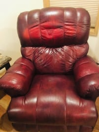 red leather recliner sofa chair Maple Valley, 98038