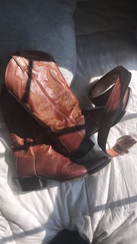 pair of brown leather cowboy boots Clarksburg, 26301