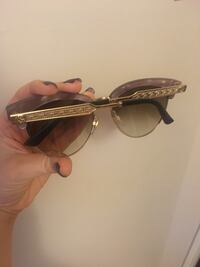 Cat eye framed Gucci sunglasses