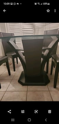 """54"""" round glass table 6 chairs Vaughan, L4H"""