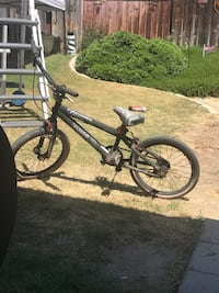 black and red hardtail mountain bike Bakersfield, 93312