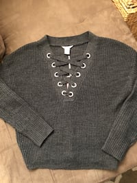 Urban Heritage cropped sweater(women's)  Toronto, M3K 1E4