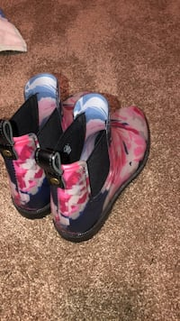 Pair of blue-and-pink rain boots Gresham, 97080