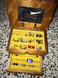 Jewelry box  3665 km