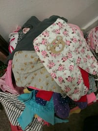 Tons of Baby Leggins.. Sizes New Born to 9 Months.