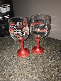 two clear decorative wine glasses Oak Island, 28465