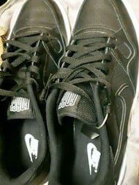 pair of black Nike low-top sneakers Winnipeg, R2W 2S5