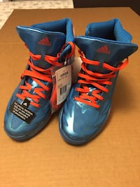 Brand new and in Excellent condition Adidas Toronto, M6N 4Z9