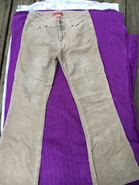 two gray and pink jeans Manito, 61546