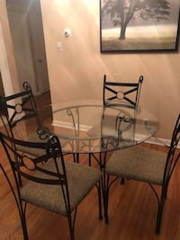 Dining table and 4 chairs  Toronto, M1R 2V9