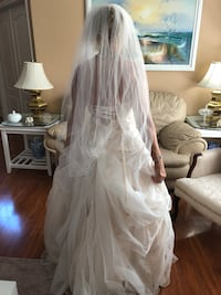 Bridal wedding dress good condition with veil and shoes Orlando, 32824