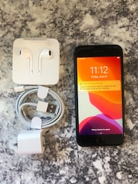 IPHONE 8 64GB UNLOCKED 9/10 CONDITION $350 FIRM