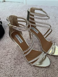 Silver sandals size 6.5 used , good condition Gainesville, 20155