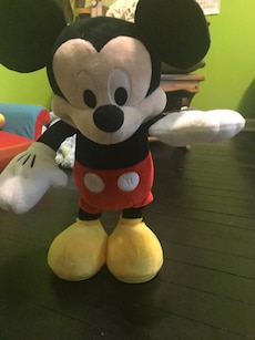 Singing/dancing Mickey Mouse toy