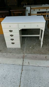 1975 Ethan Allen sand colored Desk with Laminated  Huntersville, 28078
