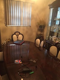 Furniture perfect condition Toronto, M5A 1L5
