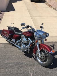 2000 harley davidson road king! V-twin. Great condition! 17,400 miles. Comes with all the bells & whistles. Serious inquiries only please Fountain Hills, 85268