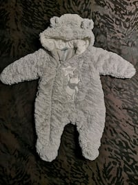 0-3Mth Pooh & 6-12Mth Dinosaur 1pc Snowsuits