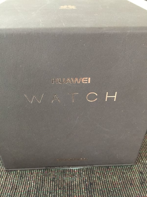 Huawei smart watch c102b0a6-f536-4d8e-9fe3-5c4e92ffcb2c