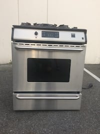 Gas stove-stainless steel Vancouver, V5L 4A2