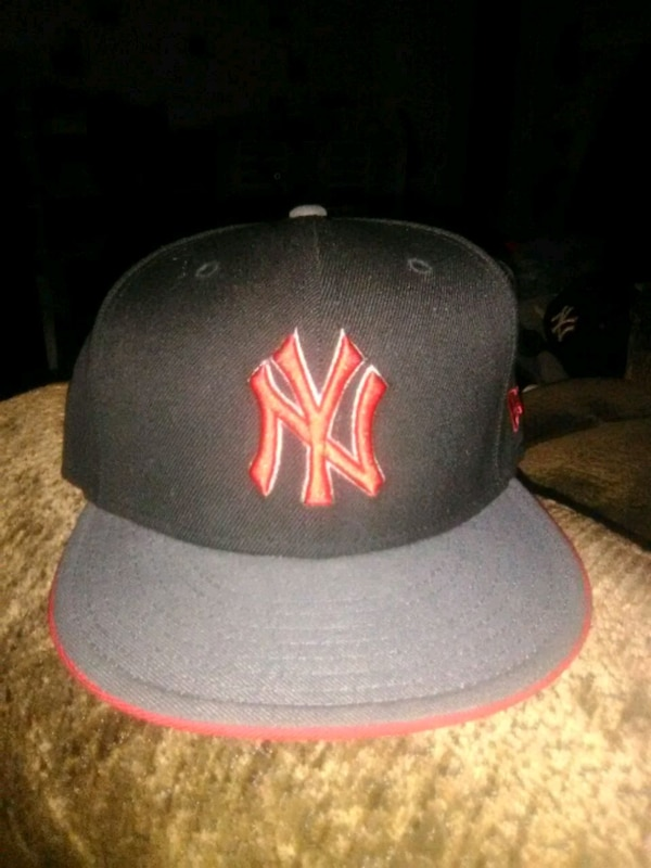 8c0a526e0d53d Used black and red New York Yankees cap for sale in Staten Island - letgo