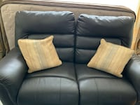 Bonded leather brown 3 seater and loveseat Montréal, H3X 1A8