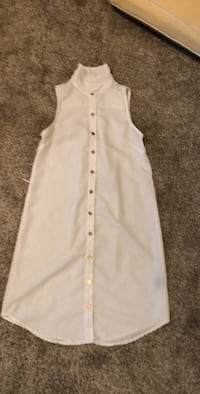white sleeveless button-up shirt Kenosha, 53144
