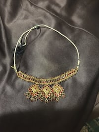 gold chain necklace with pendant Toronto, M1P