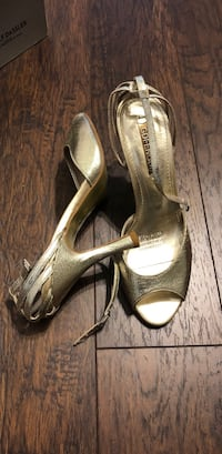 Pair of gold sandals size 36 Richmond Hill