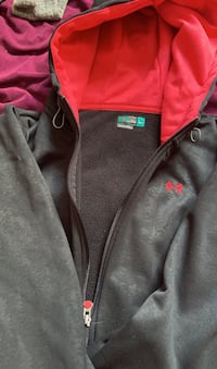 Under Armour Woman's zip-up Sweater
