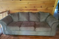Gray couch  Delta, 17314