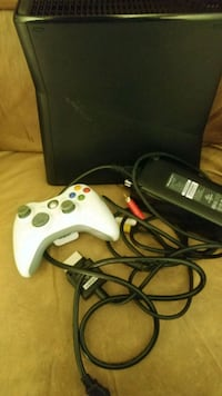 Xbox 360 with 1 controller and cords Manassas, 20110