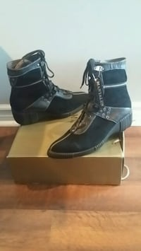 Brand new woman's leather boots size 8. Barrie, L4M 6N3