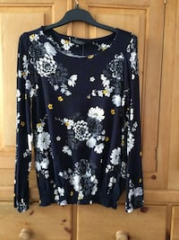 black and white floral scoop-neck long sleeve shirt Sheffield, S9 5FQ