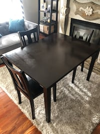 Dining room table. Frederick, 21701
