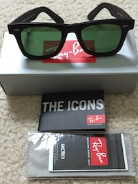 black framed Oakley sunglasses with box Arlington, 22201