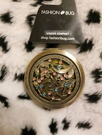 Nwt Antiqued metal rhinestone Compact mirror Essex, 21221