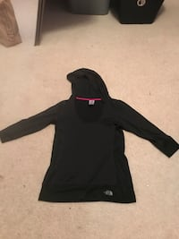 black zip-up hoodie Bristow, 20136