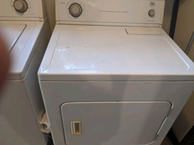 Washer and dryer 96694129-7f31-403b-bb21-06968b1acdab