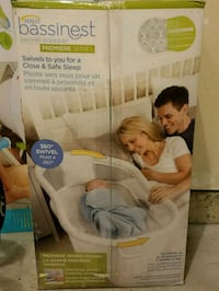 HALO Bassinest Swivel Sleeper Premiere Series Bassinet + Matress Pad + 3 Fitted Sheet Silver Spring, 20906