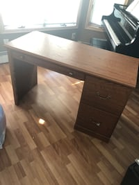 Brown wooden single pedestal desk Islip Terrace, 11752