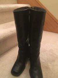 Tommy Hilfiger black boots Size 7 Women's