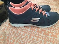 Brand new memory foam Skechers ladies 10 Hartford City, 47348