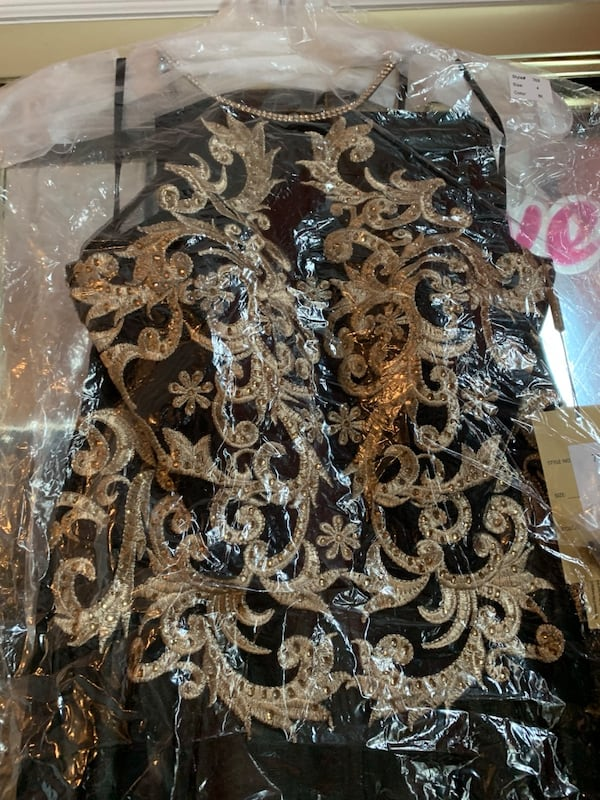 BNWT SIZE 4 Full length gown - black/gold - FINAL PRICE REDUCTION! 37e0b5cc-f966-4d83-beee-2754cf4f4363
