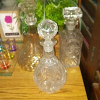 {3} BEAUTIFUL GLASS DECANTERS Dilworth, 56529
