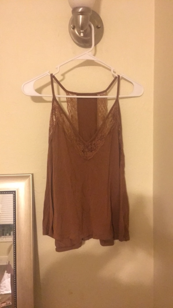 e0471df1e8174 Used Lace Tank Top for sale in University Park - letgo