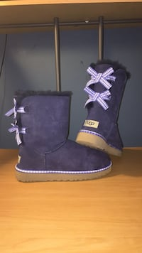 pair of purple UGG Bailey Button boots Gaithersburg, 20877