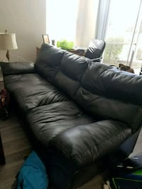 Free leather couch for pickup Tampa, 33613